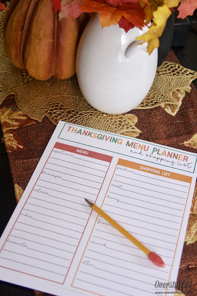 Stay organized this Thanksgiving with this free printable menu planner and shopping list