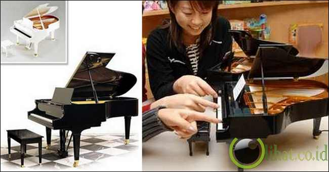 """Grand Piano """"Sega Toys"""""""
