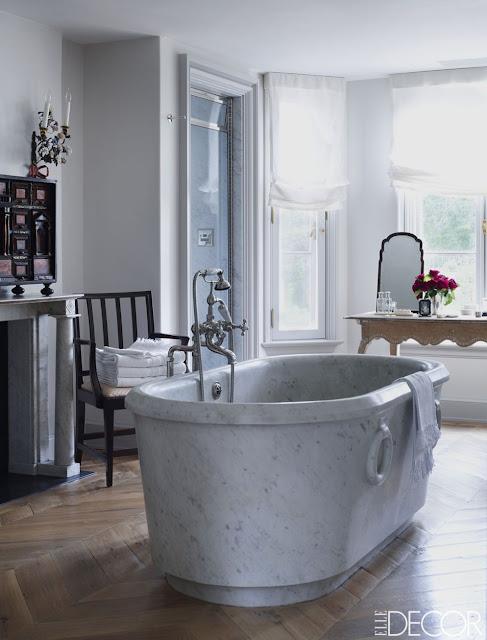 Emma Jane Pilkington home bathroom wiht barble tub