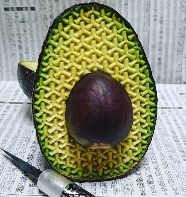Japanese Artist Made These Awesome Fruit Carvings #4 Is Mindblowing