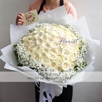 bunga valentine, bunga mawar valentine, rose putih valentine, buket bunga dan cokelat, buket bunga ferrero rocher, buket bunga mawar, bunga mawar valentine, handbouquet mawar, buket rose, toko bunga, florist jakarta, toko bunga jakarta barat