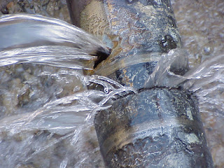 ¿Necesitas desatascar tus tuberías? Urgencias 24 horas Huelva