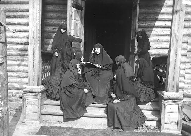 Монашество перед вызовами революционной эпохи