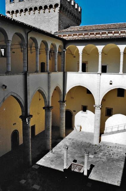 CASTELLO-DI-CELANO-LOGGIATO