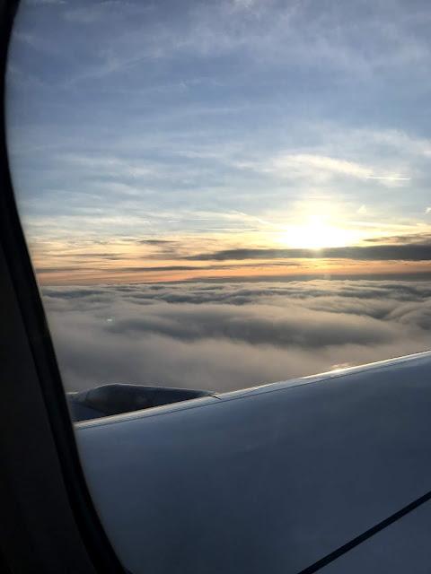 flight glasgow to duesseldorf blogmas glitter is black