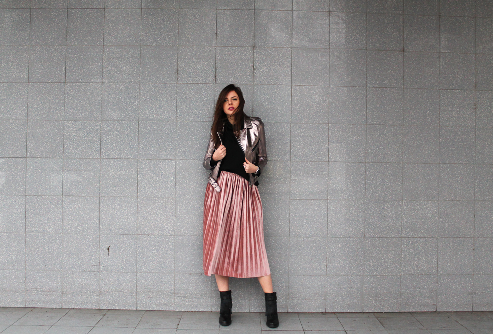 pink pleated midi skirt outfit