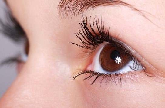 10 Tips Merawat Mata yang Baik dan Mudah