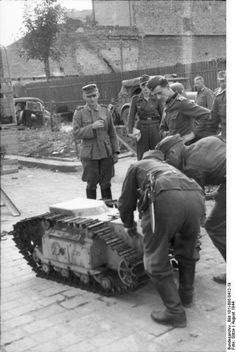 Warsaw uprising worldwartwo.filminspector.com