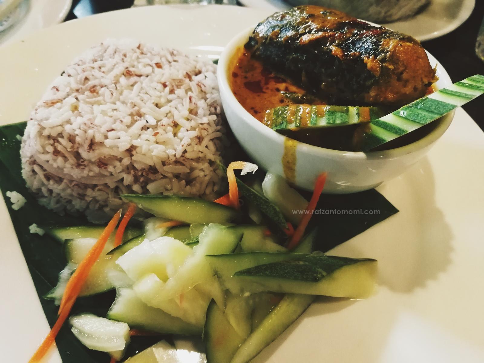 Hornbill Restaurant & Café - Makan Sambil Menikmati Keindahan Alam Di Hornbill Restaurant & Café