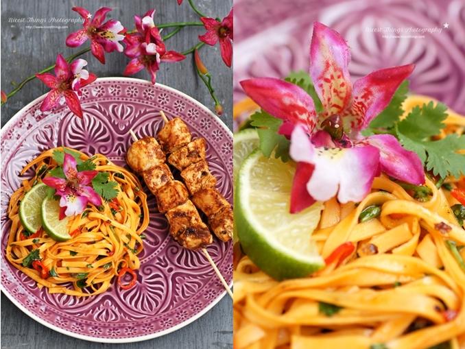 Thailändische Chili Nudeln mit Limette, Koriander und Hühnerspießen