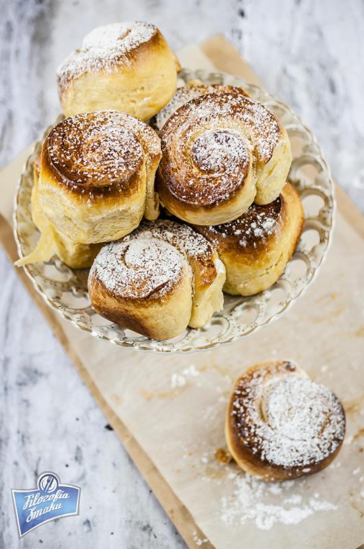 Słodkie bułeczki z Majorki (Pan de Mallorca)