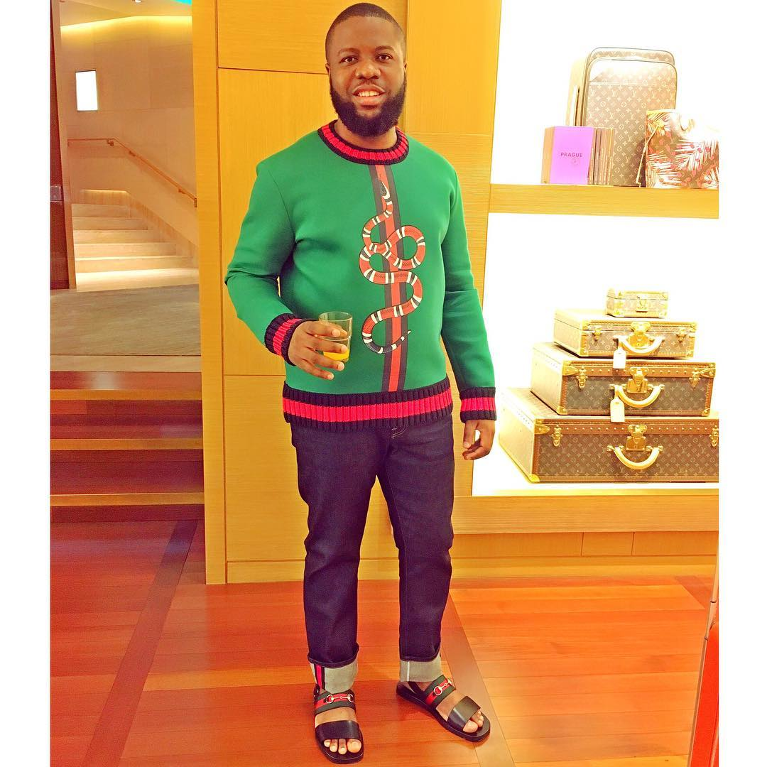 7e4c7e790847 ... this picture of him at a Gucci store looking suave in the gucci  sweatshirt