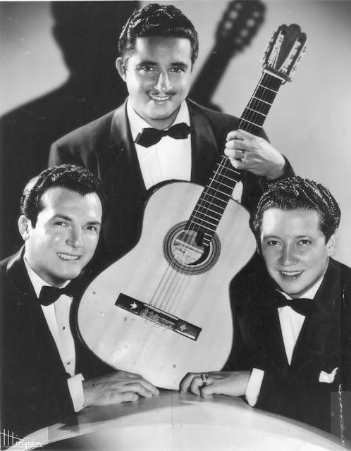 Trio con 2 hermanos - 3 8
