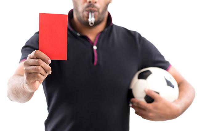 tarjetas amarilla y roja en faltas en fútbol