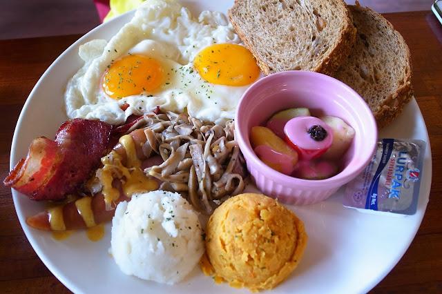 食記-【高雄】鐵塔輕咖啡館之姐妹早午餐~