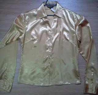 camisa dourada M