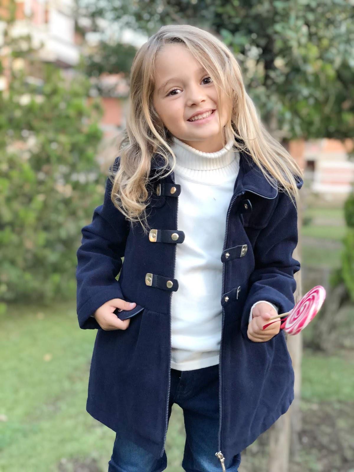 Moda Bambini: un trench blu Mayoral per affrontare l'inverno