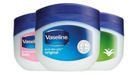 Cara Panjangkan Bulu Mata dengan Vaseline Petroleum Jelly