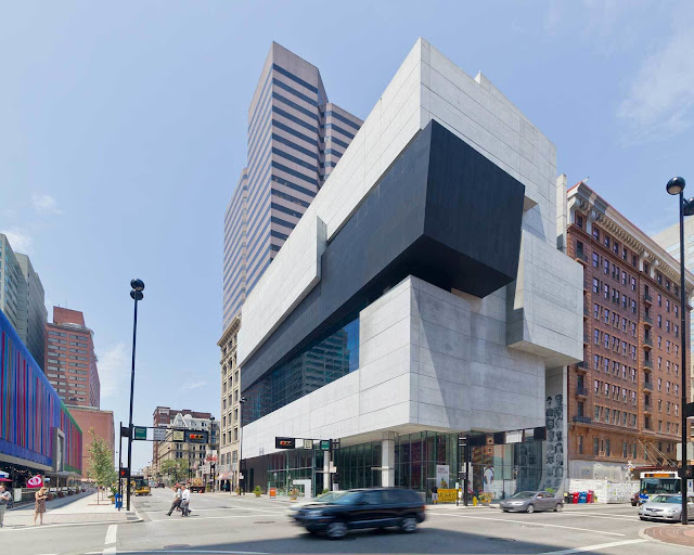 2. Rosenthal Center for Contemporary Art (2003) di Cincinnati, Ohio