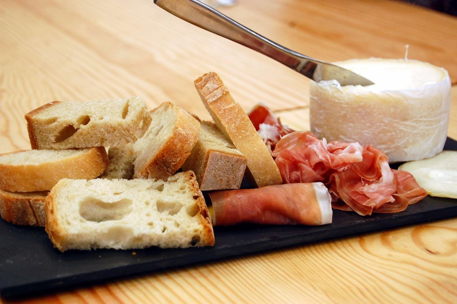 Stitch & Bear - Eat Drink Walk Petiscos Lisbon - Cheese and meat platter