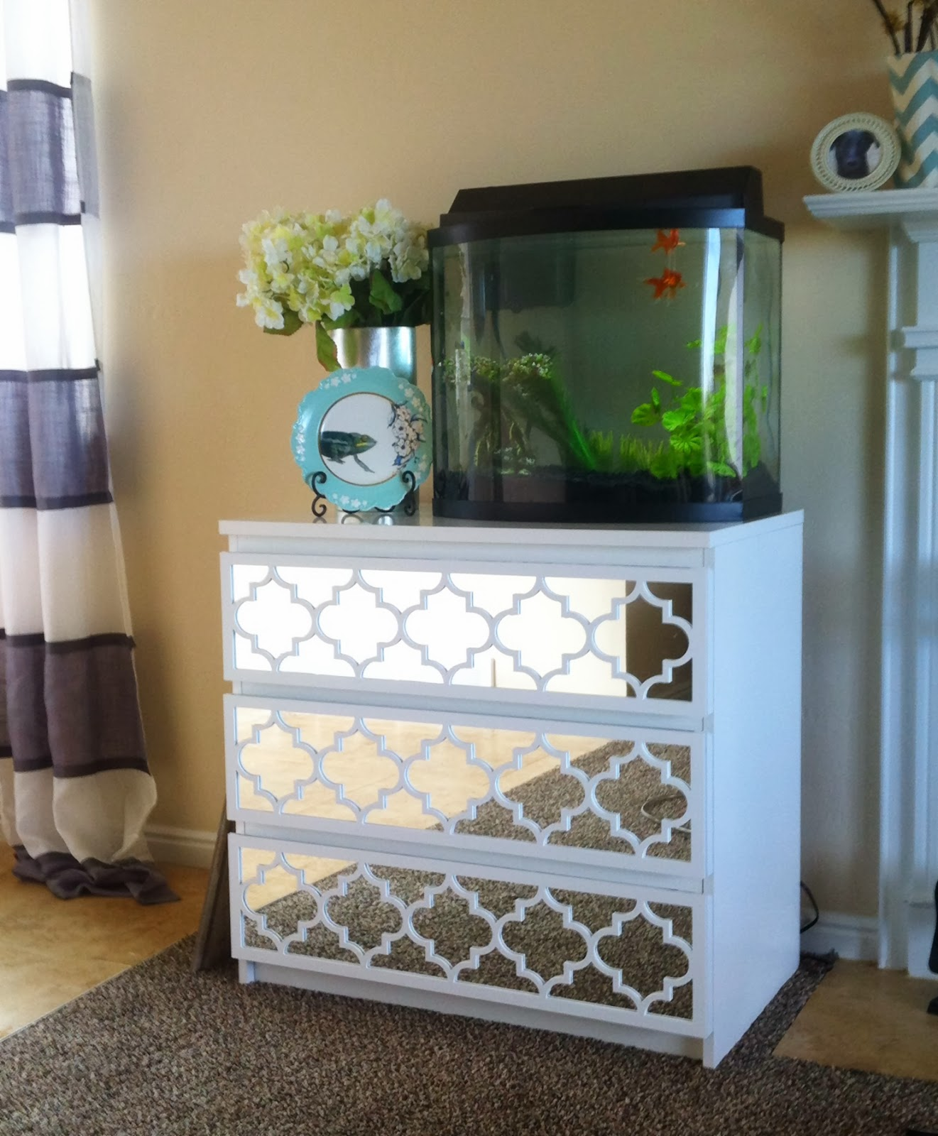 cheapo copy cat ikea hack malm mirrored dresser. Black Bedroom Furniture Sets. Home Design Ideas