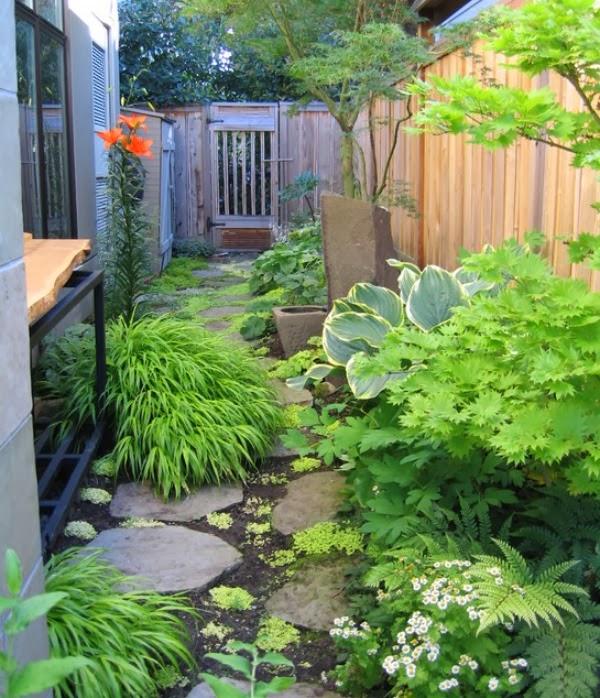 10 soluciones para jardines largos y estrechos guia de for Diseno jardin con piscina