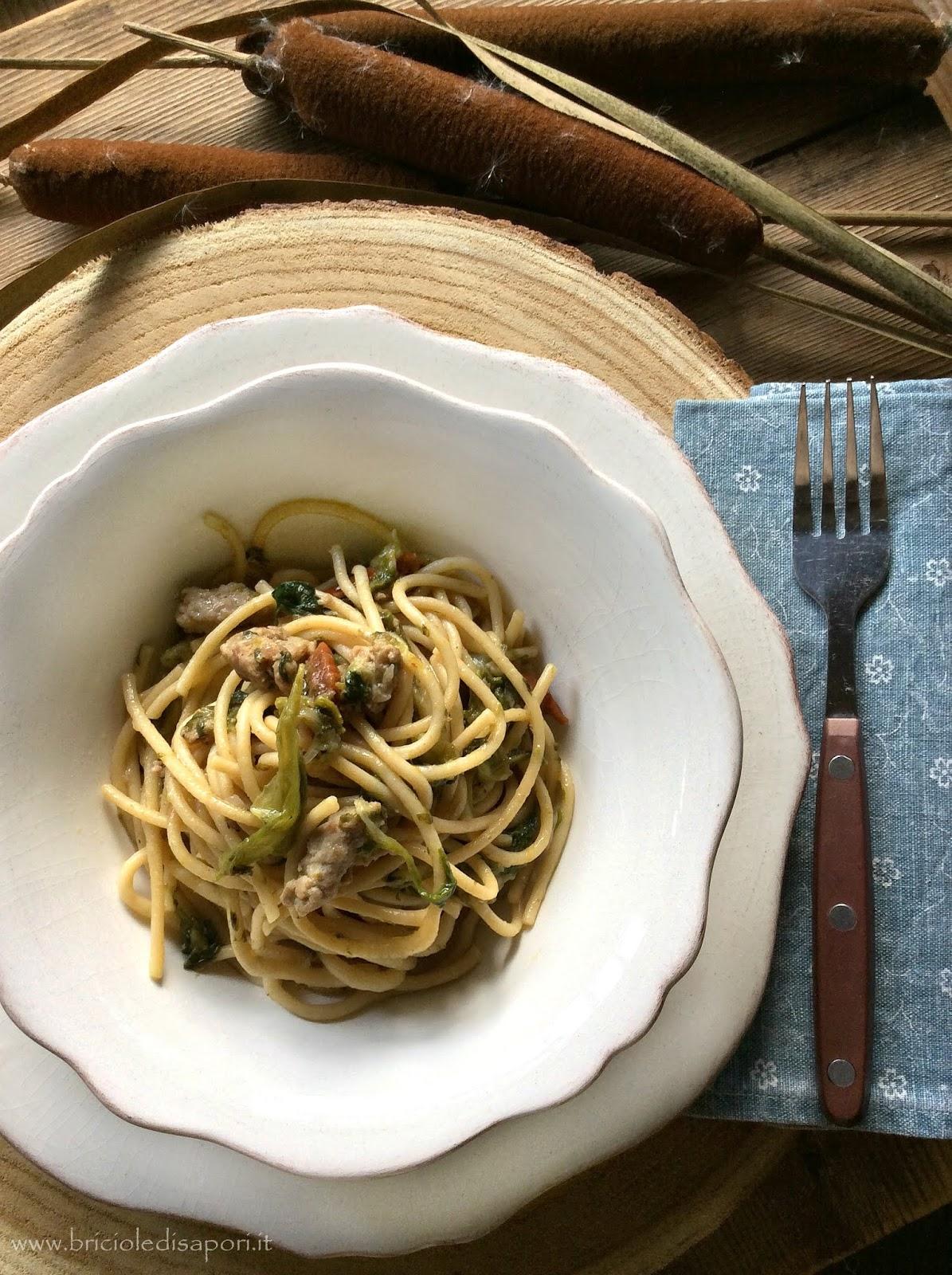 pasta con scarola salsiccia e pomodori secchi