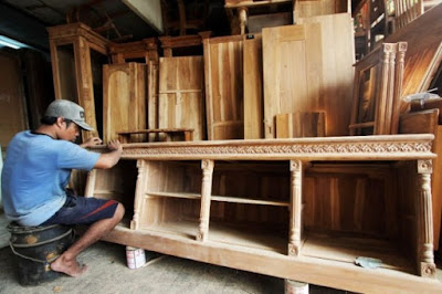 Pasar kerajinan mebel indonesia