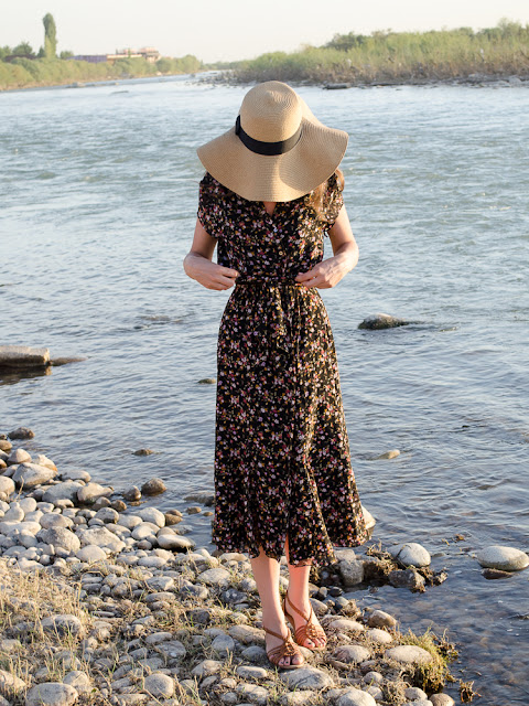 fashion-blogger-vintage-dress-hat-forever21-look