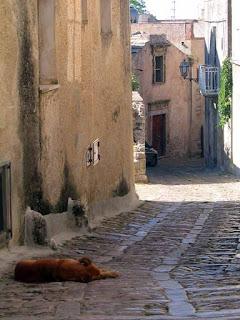 erice rua guia portugues guiaderoma patricia carmo - Trapani, o sal e o vinho.