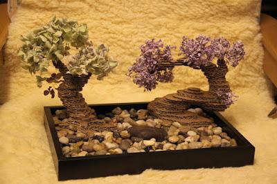 Bonsai Tanaman dari Kardus Bekas