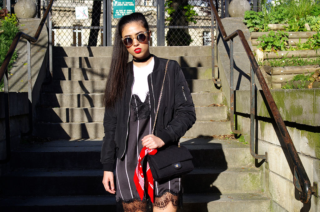 Elizabeth l  Back in the 90s outfit l Stradivarius bomber jacket Mango lace dress Zara tshirt choker Quay Australia sunglasses Chanel bag l THEDEETSONE l http://thedeetsone.blogspot.fr