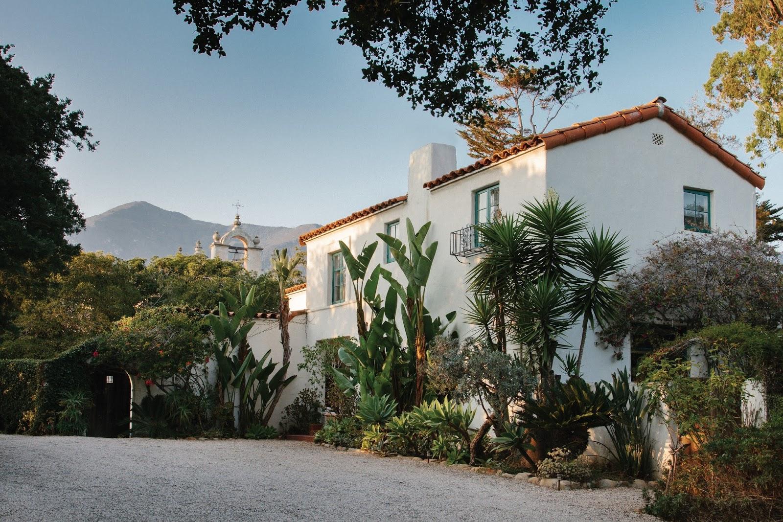 Montecito lifestyle spanish colonial style santa barbara for Santa barbara new homes