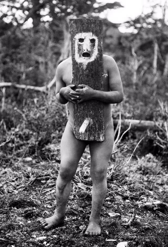 Φωτογραφίες γυμνών ανδρών με τελετουργικό Body - Painting