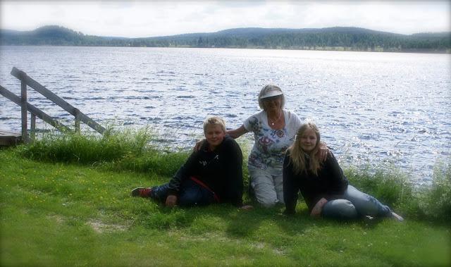 Majvor Melberg med barnbarn
