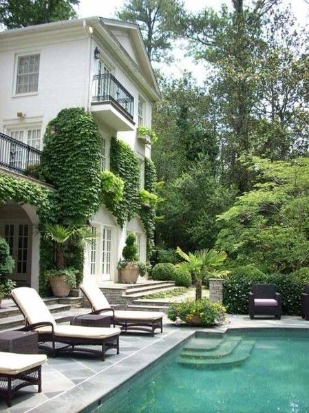 outdoor-living-gorgeous-pool