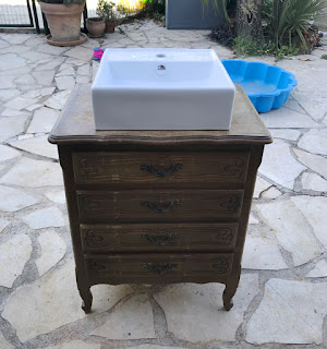 DIY: Hacer un vanitori con un mueble antiguo. www.soyunmix.com