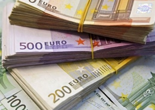 "Bank of Albania declaring ""war"" to euro"