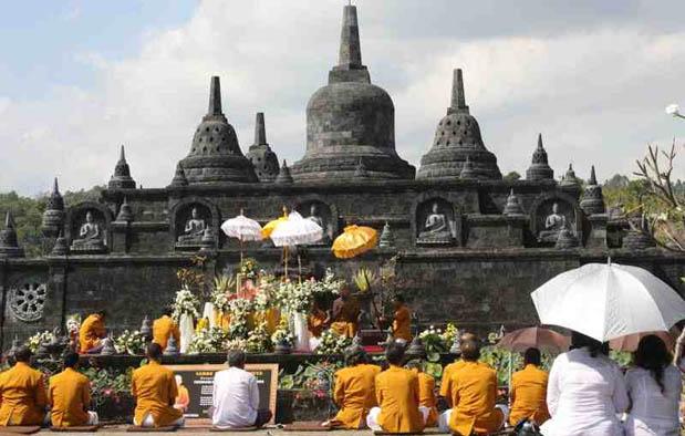 Pengaruh Hindu Budha Di Indonesia Dalam Beberapa Aspek Kehidupan