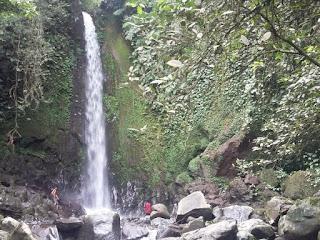 air terjun titian batu kawangan desa lantang, lombok tengah