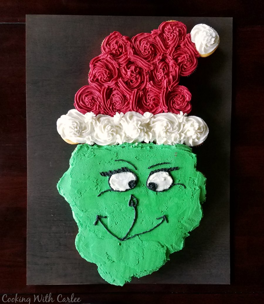 Cooking With Carlee How To Make A Grinch Cupcake Cake