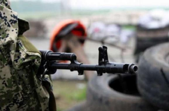 На Донбасі загинув український військовик, бойовики застосували міномети і гранатомети
