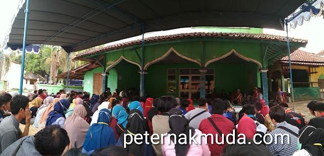 keadaan masjid yang tidak jauh dari lokasi TPST piyungan