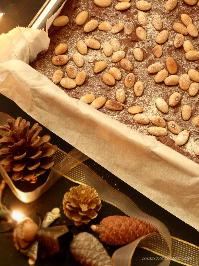 Bizcocho de Chocolate Navideño con almendras
