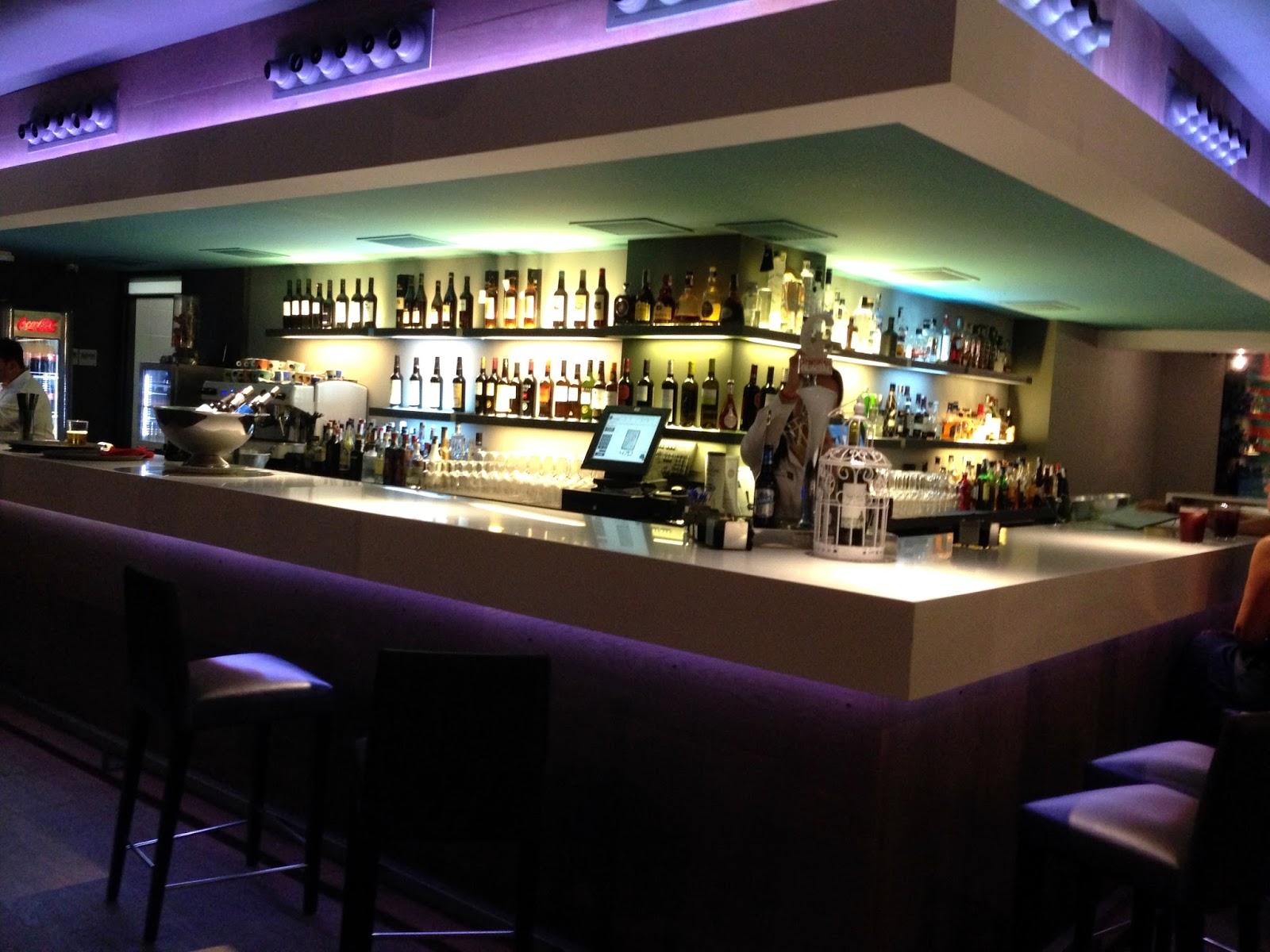 Primero segundo y postre d nde comes hoy los mejores - Estanterias para bares ...