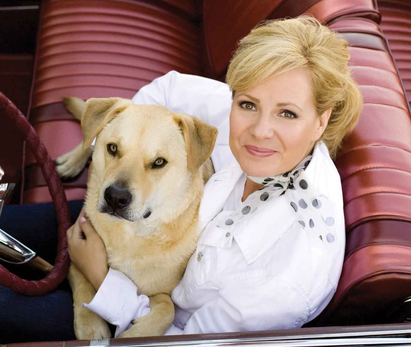 Actress and Celebrity Pictures: Bonnie Hunt