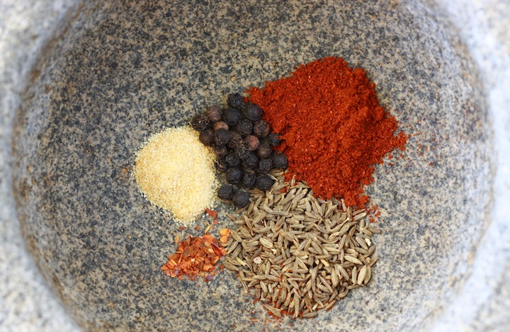 spice blend for corn with paprika, cayenne, black pepper, cumin, garlic, and lime