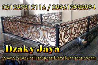 Contoh Balkon Besi Tempa Mewah
