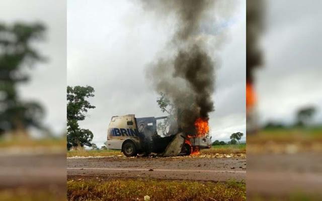 Carro-forte que saiu de MT é explodido em Goiás; dinheiro é levado