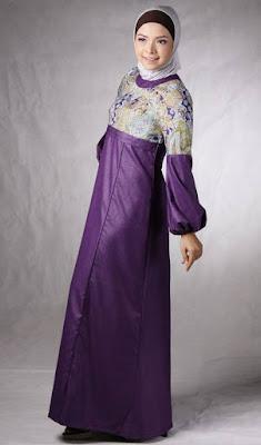 Dress Maxi Dengan Hiasan dan Motif Dibagian Dada